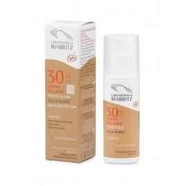 Crema facial con color clara (light) SPF 30 de Alga Maris, 50ml.